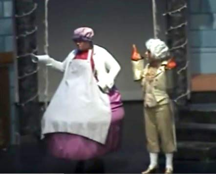 Julia Hunter as Mrs. Potts
